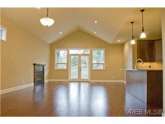 Photo 7: Photos: 3633 Coleman Place in VICTORIA: Co Latoria Residential for sale (Colwood)  : MLS®# 302702