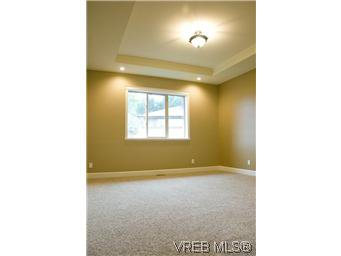 Photo 9: Photos: 3633 Coleman Place in VICTORIA: Co Latoria Residential for sale (Colwood)  : MLS®# 302702