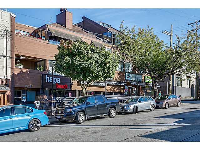 Main Photo: 202 1512 Yew Street in Vancouver: Kitsilano Condo for sale (Vancouver West)  : MLS®# V1092333