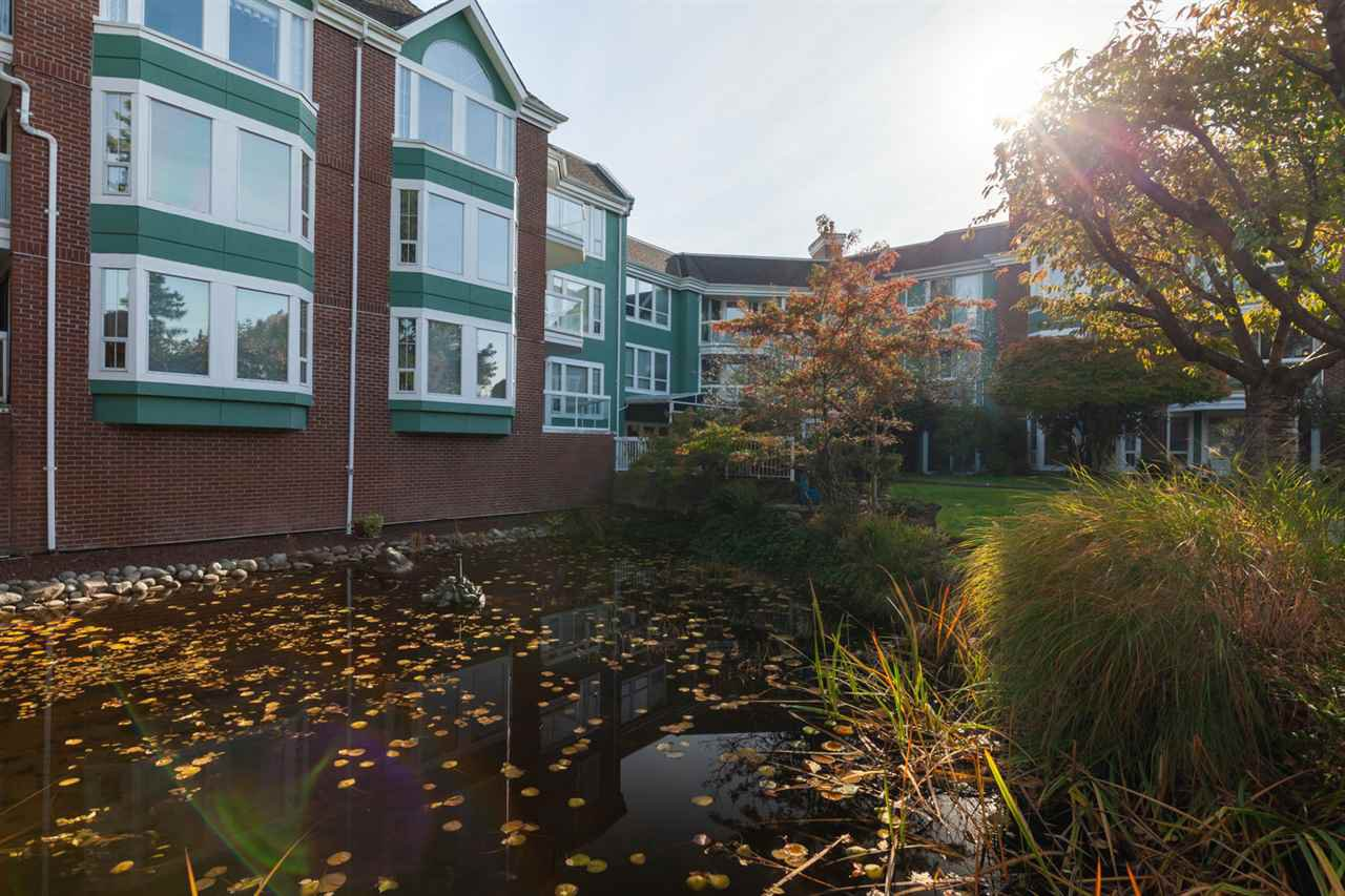 "Main Photo: 109 1695 AUGUSTA Avenue in Burnaby: Simon Fraser Univer. Condo for sale in ""AUGUSTA SPRINGS"" (Burnaby North)  : MLS®# R2417041"