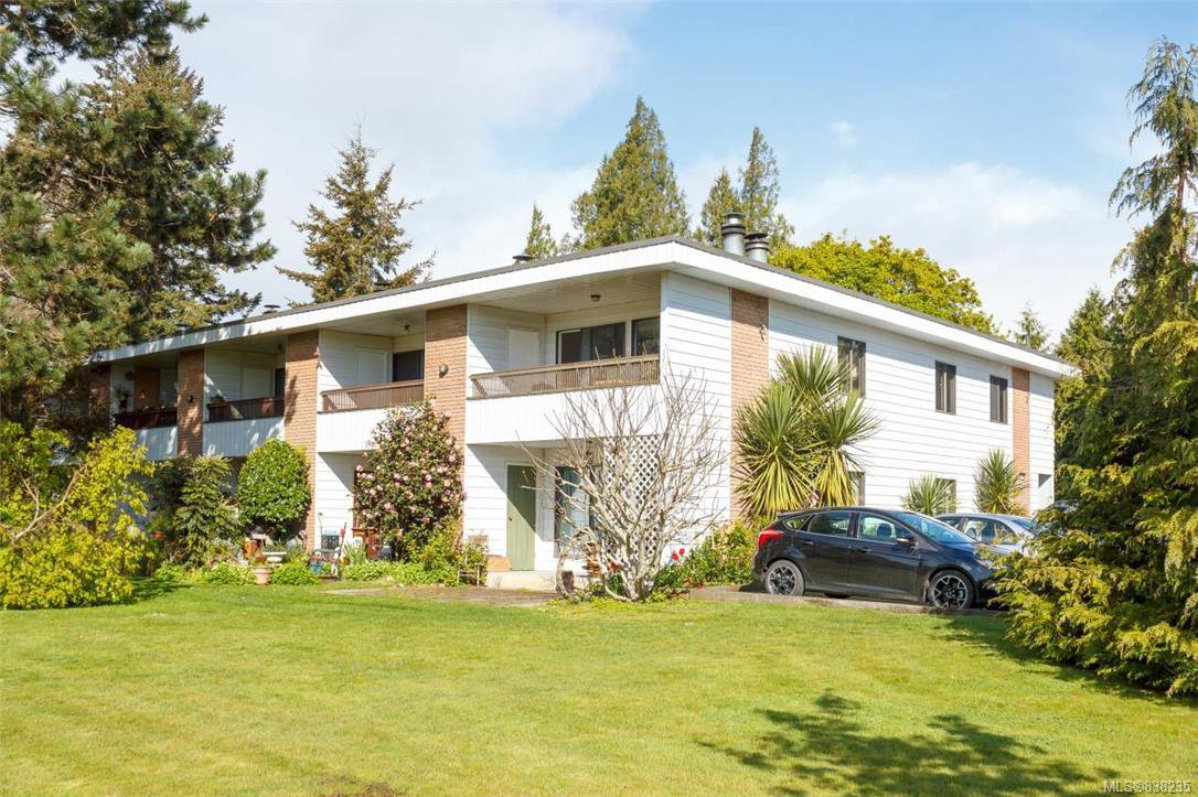 Main Photo: 10 1956 Glenidle Rd in Sooke: Sk Billings Spit Condo Apartment for sale : MLS®# 838235