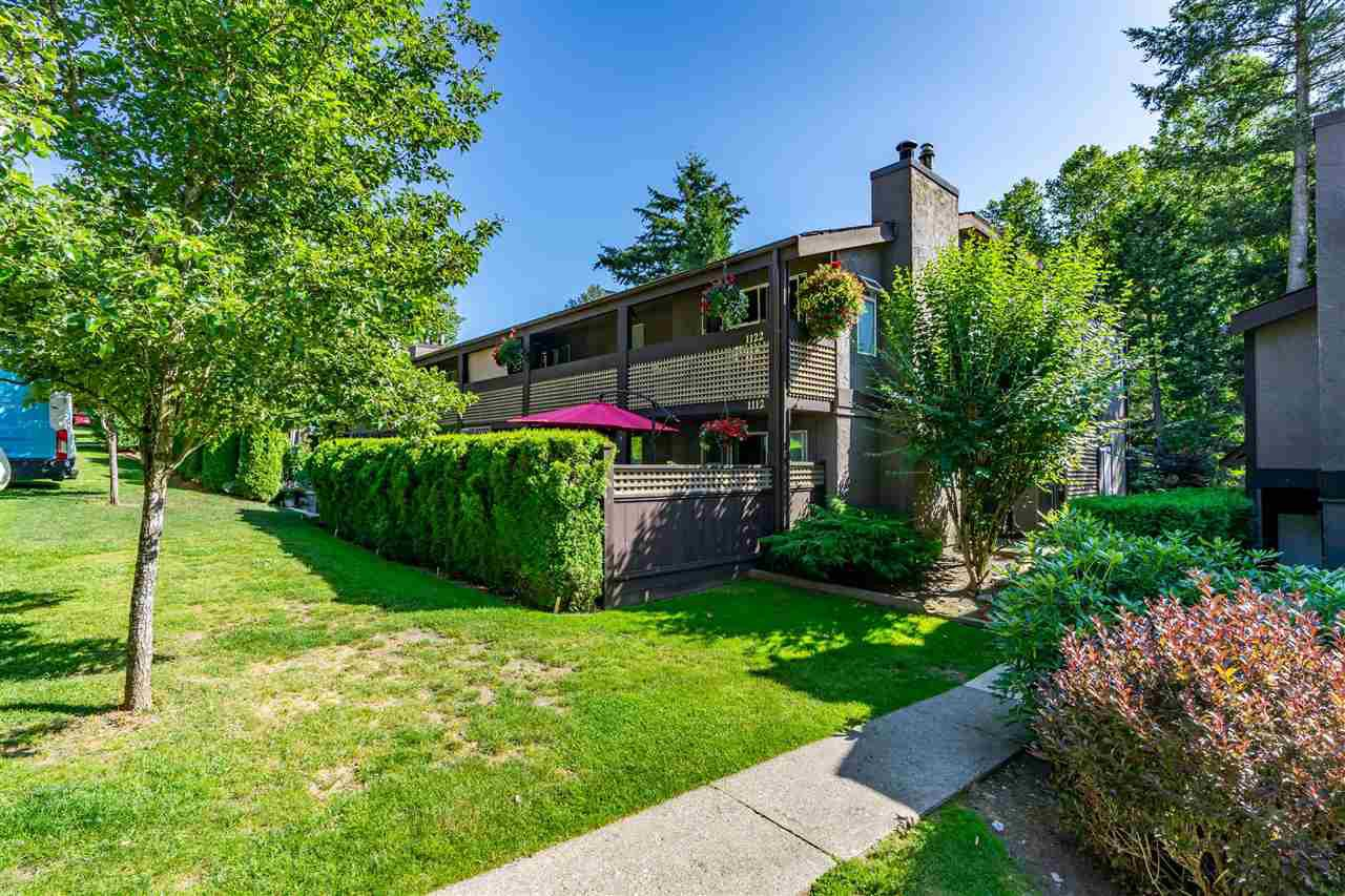 """Main Photo: 1111 34909 OLD YALE Road in Abbotsford: Abbotsford East Townhouse for sale in """"The Gardens"""" : MLS®# R2477983"""