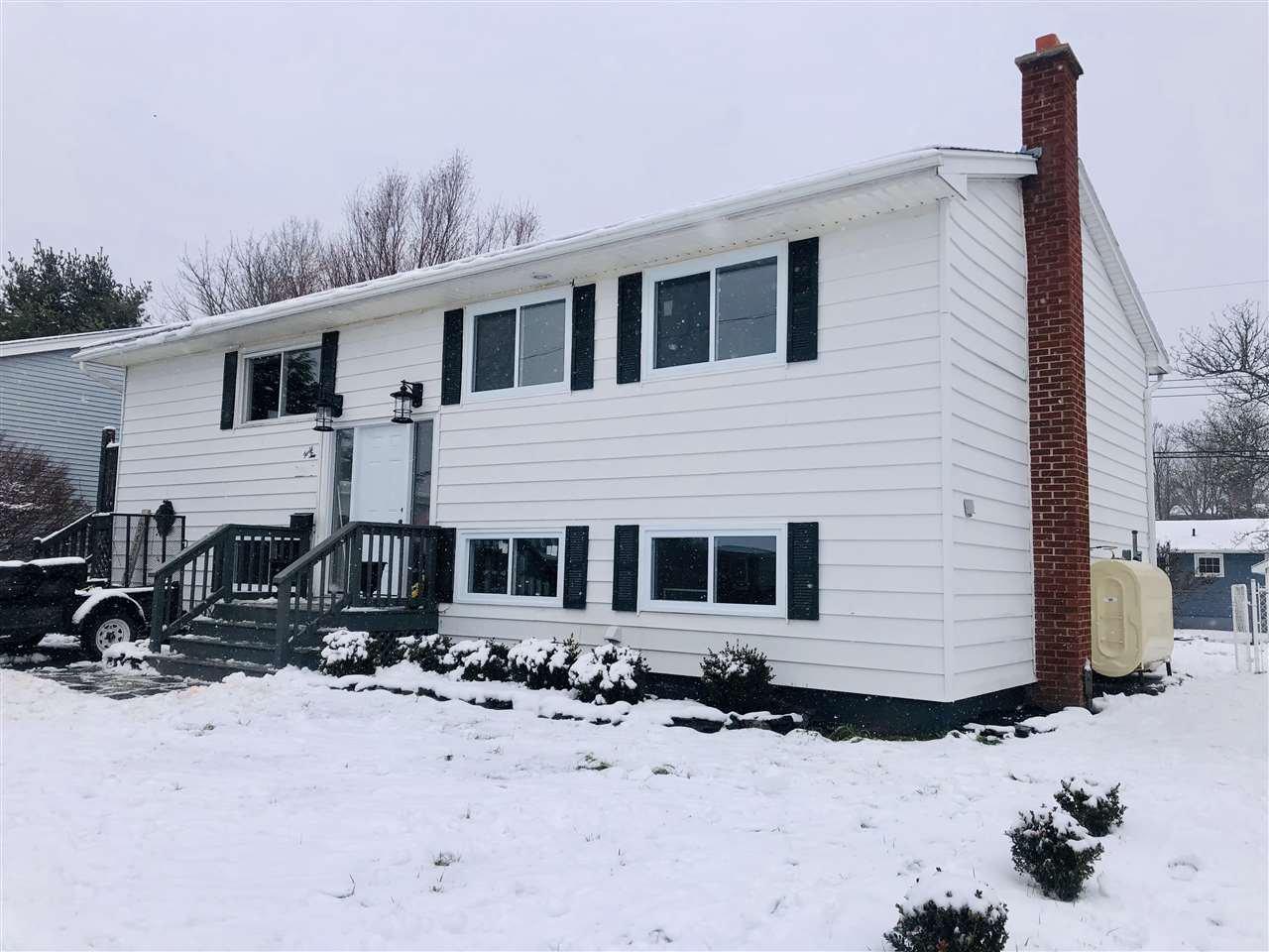 Main Photo: 42 Neily Drive in Sackville: 25-Sackville Residential for sale (Halifax-Dartmouth)  : MLS®# 202100157