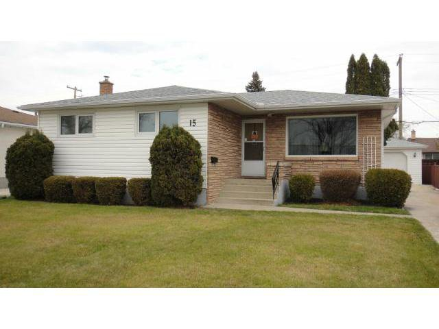 Main Photo: 15 Dafoe Boulevard in WINNIPEG: West Kildonan / Garden City Residential for sale (North West Winnipeg)  : MLS®# 1222250