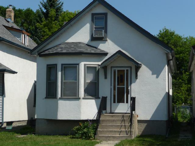 Main Photo: 279 Johnson Avenue: Residential for sale : MLS®# 1214355