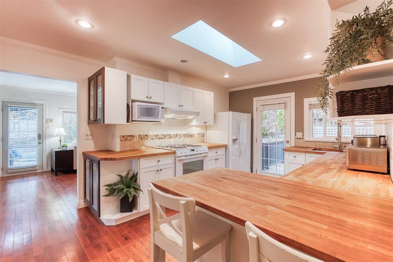 "Photo 17: Photos: 12719 15A Avenue in Surrey: Crescent Bch Ocean Pk. House for sale in ""Ocean Park Village"" (South Surrey White Rock)  : MLS®# R2420265"