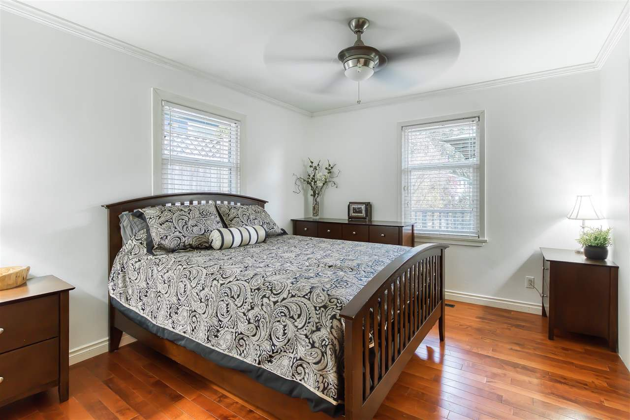 "Photo 18: Photos: 12719 15A Avenue in Surrey: Crescent Bch Ocean Pk. House for sale in ""Ocean Park Village"" (South Surrey White Rock)  : MLS®# R2420265"
