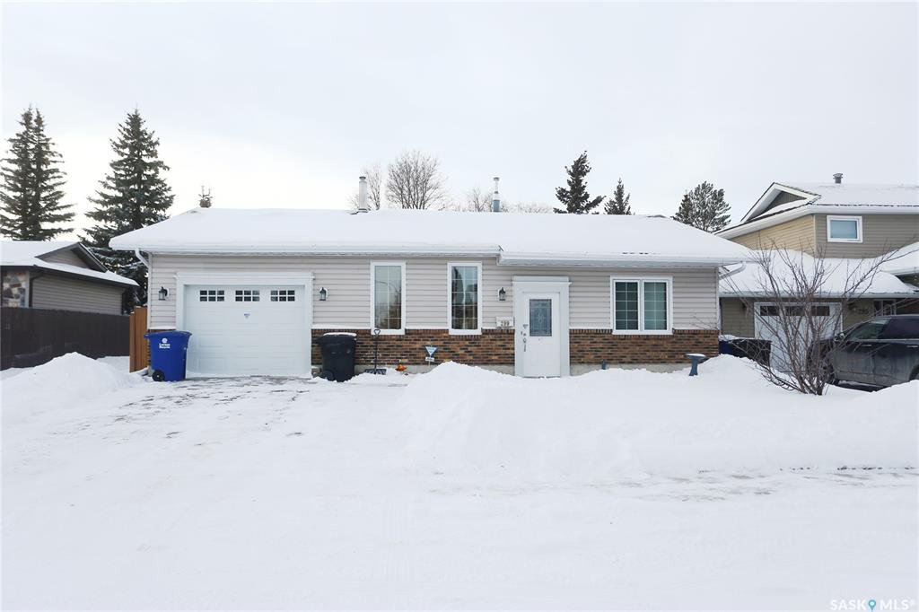Main Photo: 299 Christopher Crescent in Saskatoon: Lakeview SA Residential for sale : MLS®# SK797298