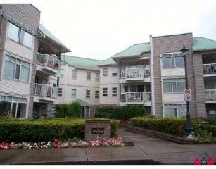 Main Photo: 304 9763 140th Street in Surrey: Home for sale : MLS®# F2423226