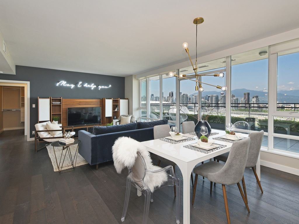 Main Photo: 2106 1618 QUEBEC STREET in Vancouver: Mount Pleasant VE Condo for sale (Vancouver East)  : MLS®# R2385785