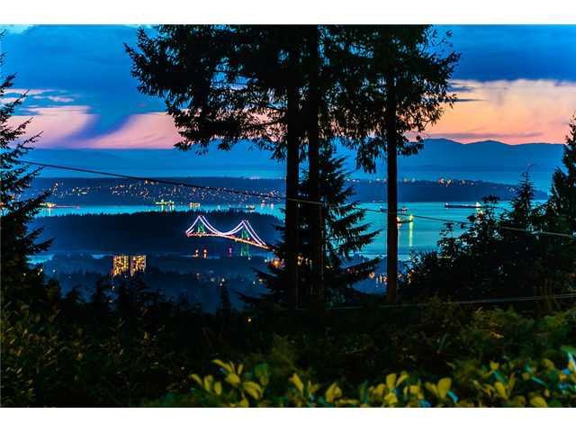 Photo 1: Photos: 260 RONDOVAL Crescent in North Vancouver: Upper Delbrook House for sale : MLS®# V1025715