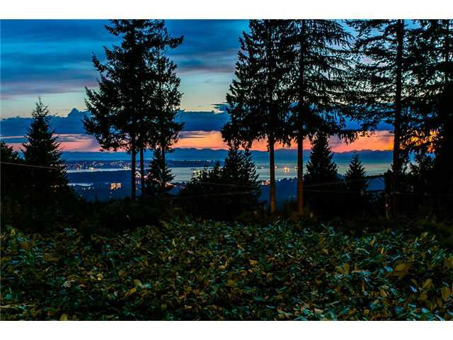 Photo 19: Photos: 260 RONDOVAL Crescent in North Vancouver: Upper Delbrook House for sale : MLS®# V1025715