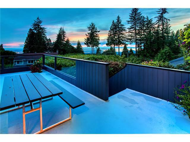 Photo 17: Photos: 260 RONDOVAL Crescent in North Vancouver: Upper Delbrook House for sale : MLS®# V1025715