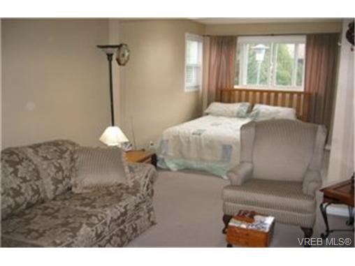 Photo 8: Photos:  in VICTORIA: VR Glentana House for sale (View Royal)  : MLS®# 446806