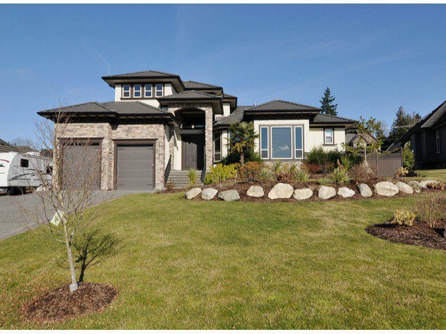 Main Photo: 18683 53a Avenue in Surrey: Cloverdale BC House