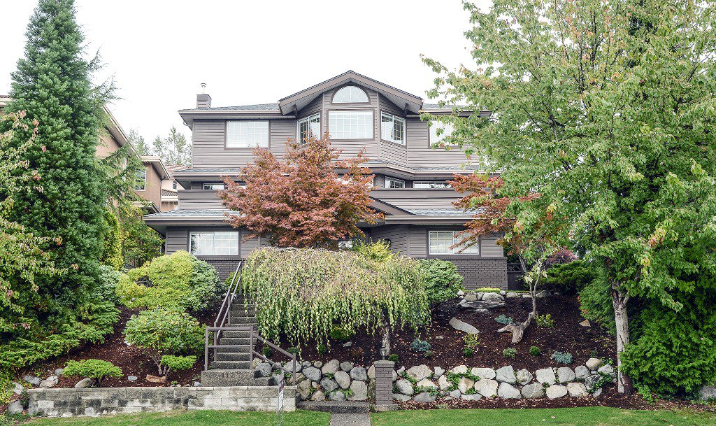 Main Photo: 112 RAVINE Drive in PORT MOODY: Heritage Mountain House for sale (Port Moody)  : MLS®# R2003601
