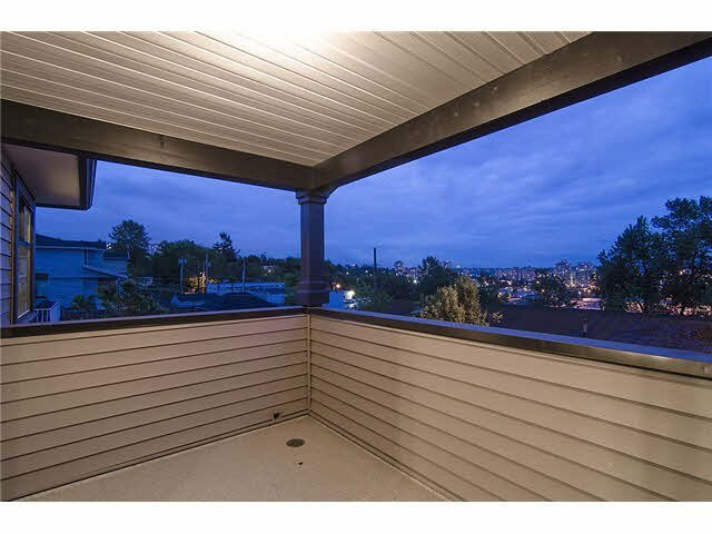 Photo 3: Photos: 1512 sixth Avenue in New Westminster: Uptown NW Duplex for sale : MLS®# r2047778