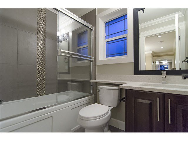 Photo 4: Photos: 1512 sixth Avenue in New Westminster: Uptown NW Duplex for sale : MLS®# r2047778