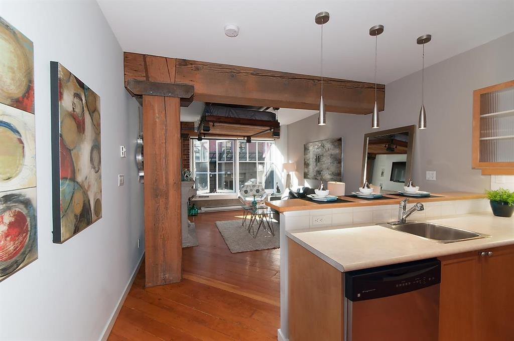 Main Photo: 202 1178 Hamilton Street in Vancouver: Downtown VW Condo for sale (Vancouver West)  : MLS®# R2090962