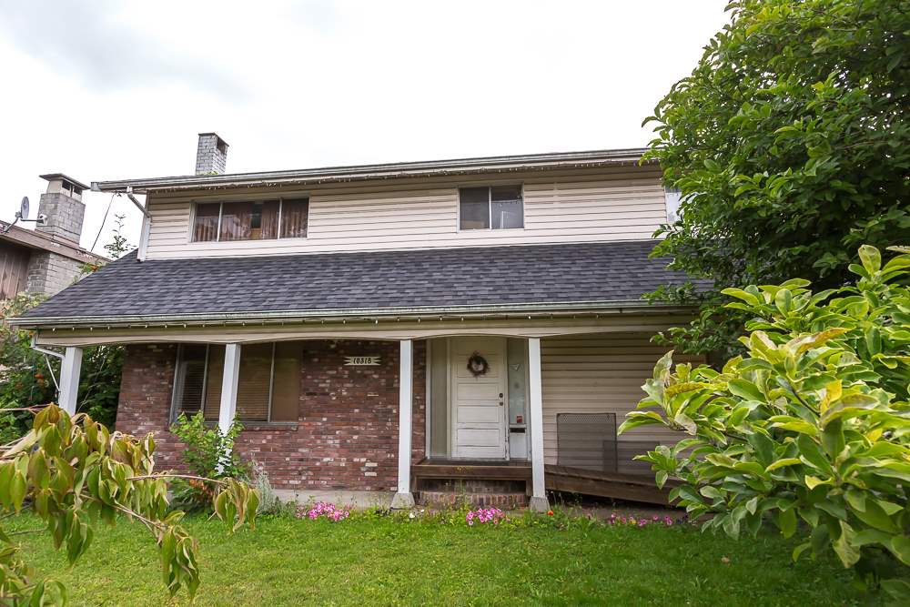 Main Photo: 10318 149 STREET in Surrey: Guildford House for sale (North Surrey)  : MLS®# R2088786