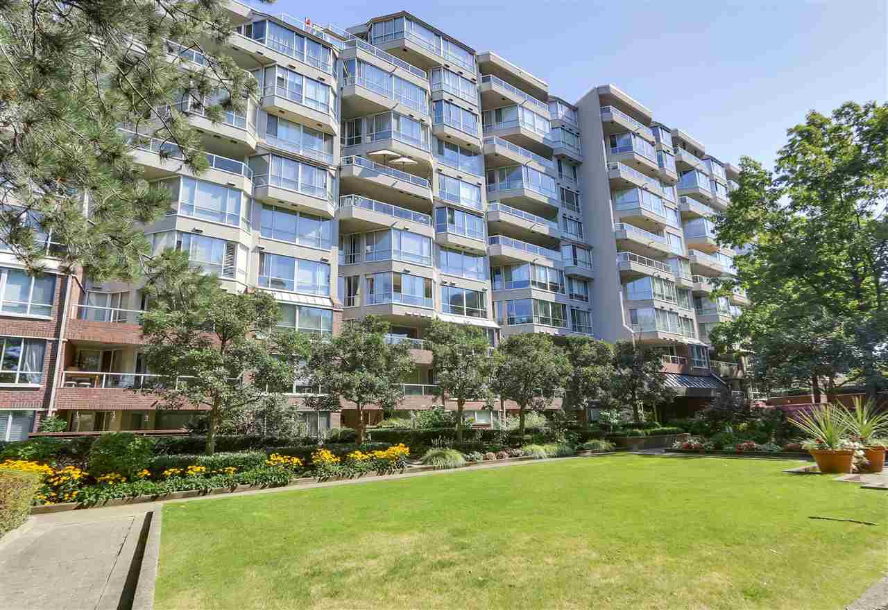 Main Photo: 405 518 MOBERLY ROAD in Vancouver: False Creek Condo for sale (Vancouver West)  : MLS®# R2305828