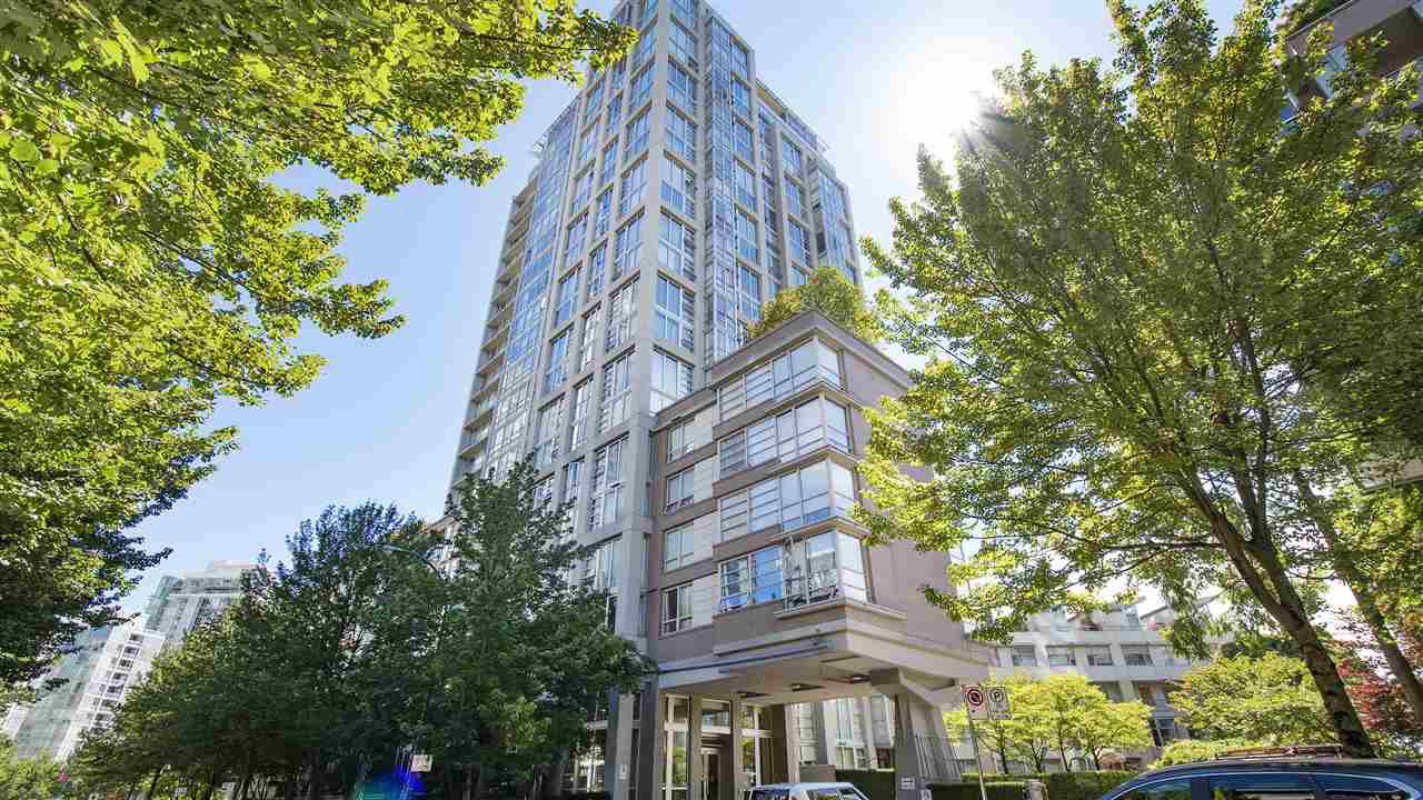 Main Photo: 606 1228 MARINASIDE CRESCENT in Vancouver: Yaletown Condo for sale (Vancouver West)  : MLS®# R2316104