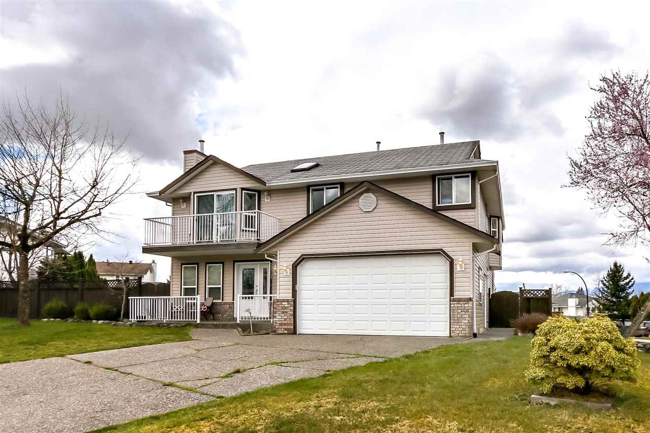 Main Photo: 23341 123RD PLACE in Maple Ridge: East Central House for sale : MLS®# R2354798
