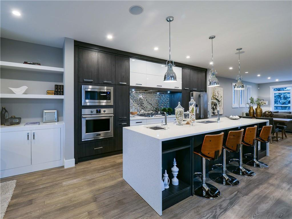 Main Photo: 1608 42 Street SW in Calgary: Rosscarrock Detached for sale : MLS®# C4280808