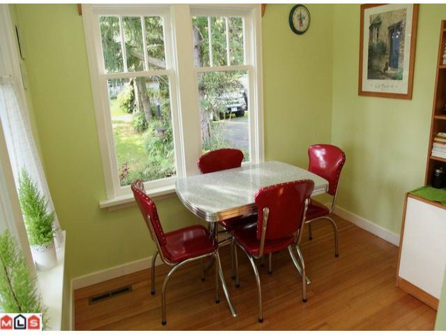 Photo 5: Photos: 1733 168TH Street in Surrey: Pacific Douglas House for sale (South Surrey White Rock)  : MLS®# F1223836