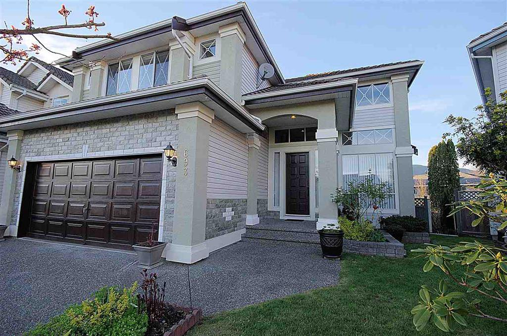 Main Photo: 693 omineca Street in port coquitlam: Riverwood House for sale (Port Coquitlam)  : MLS®# R2052321