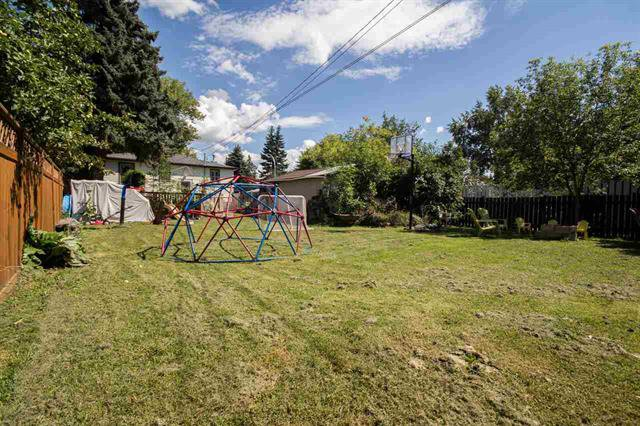 Main Photo:  in : Brittania Youngstown House for sale (Edmonton)