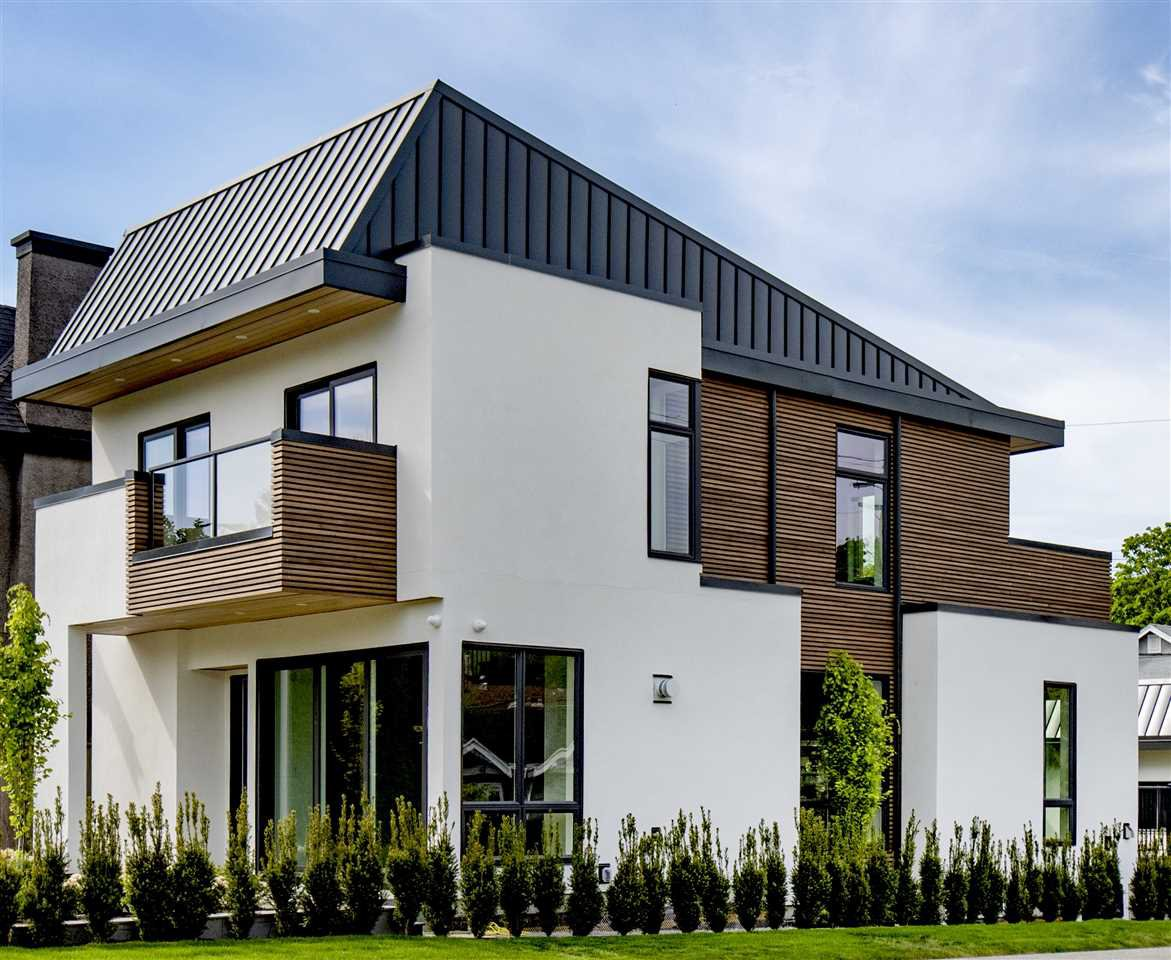 Built by excellent Point Grey builder.  Roof is extra thick 6mm, cedar soffits/siding, Italian porcelain tiles on balconies and patio's, Westeck sliding doors and windows, irrigation/security system.