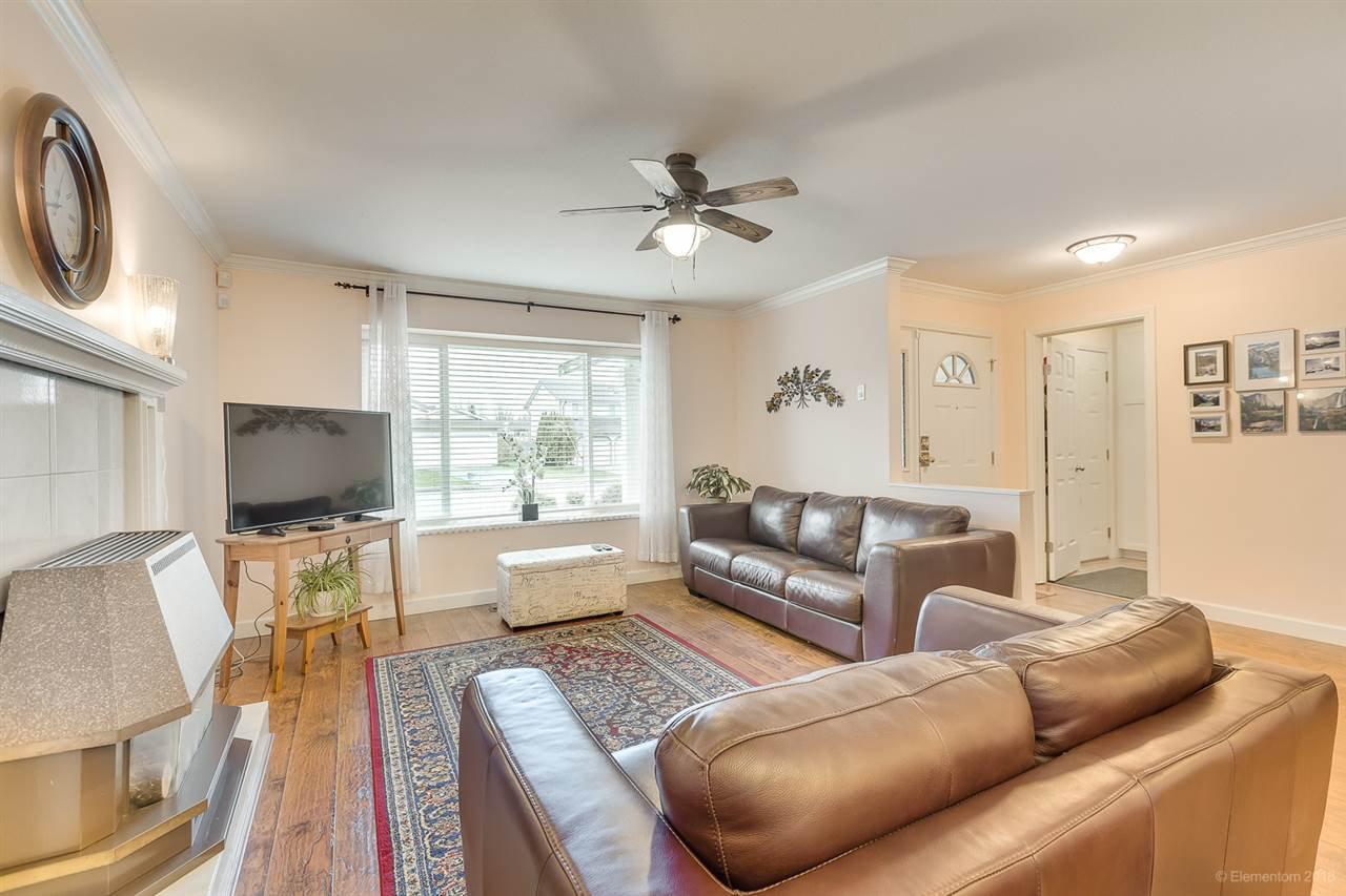 Photo 3: Photos: 11949 238B Street in Maple Ridge: Cottonwood MR House for sale : MLS®# R2441156