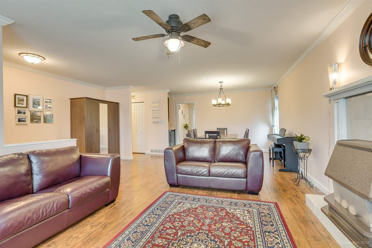 Photo 4: Photos: 11949 238B Street in Maple Ridge: Cottonwood MR House for sale : MLS®# R2441156