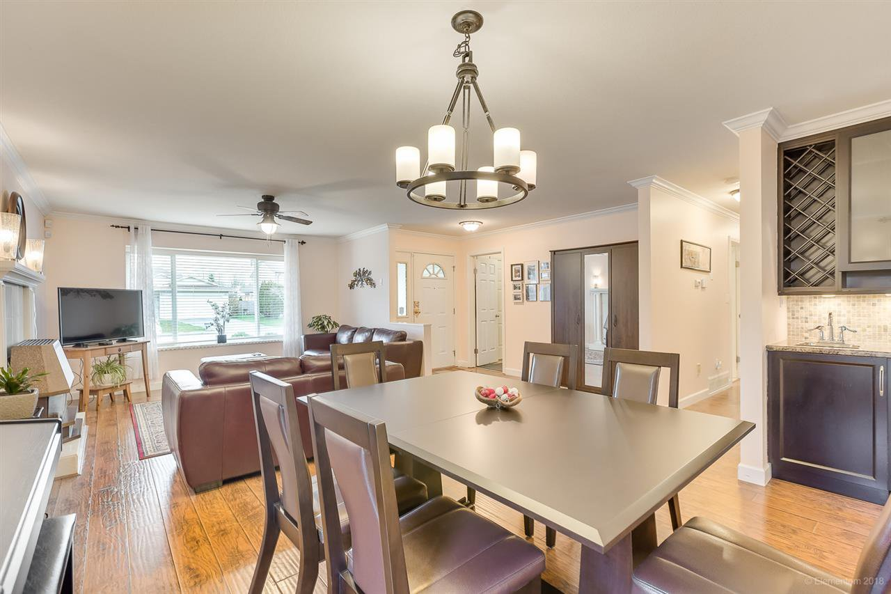Photo 6: Photos: 11949 238B Street in Maple Ridge: Cottonwood MR House for sale : MLS®# R2441156