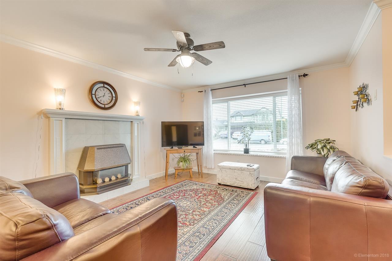 Photo 2: Photos: 11949 238B Street in Maple Ridge: Cottonwood MR House for sale : MLS®# R2441156