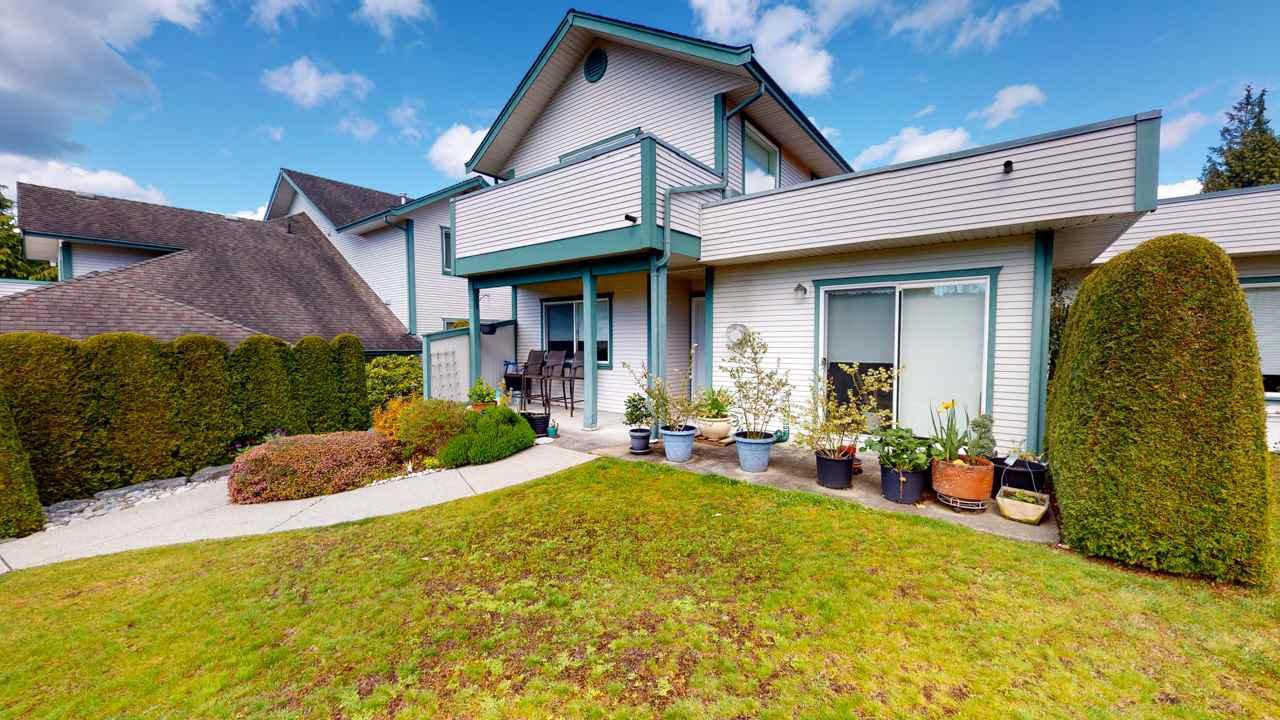 Main Photo: 128 5711 EBBTIDE Street in Sechelt: Sechelt District Townhouse for sale (Sunshine Coast)  : MLS®# R2454793
