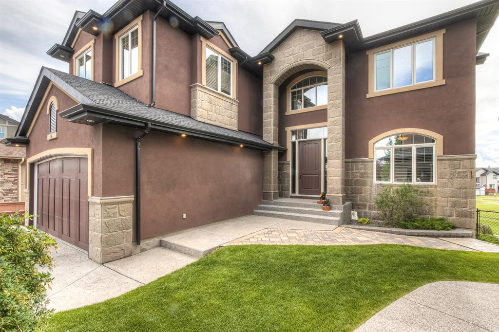 Main Photo: 121 ROCKCLIFF Bay NW in Calgary: Rocky Ridge Detached for sale : MLS®# A1015213