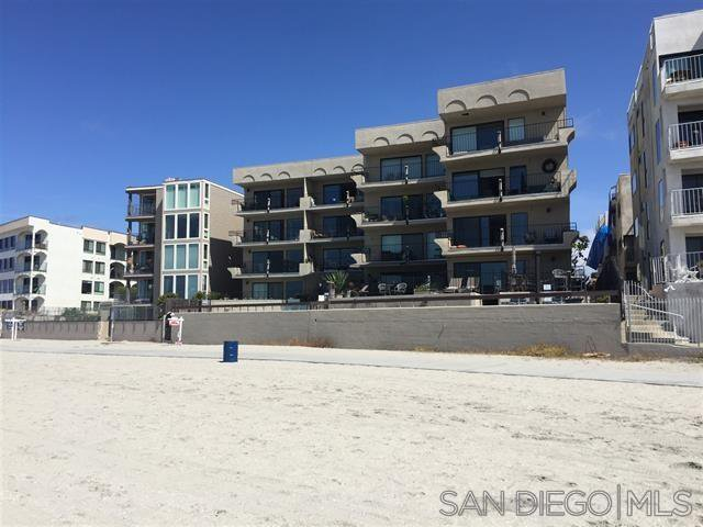 Main Photo: PACIFIC BEACH Condo for sale : 3 bedrooms : 1235 Parker Place #3A in San Diego