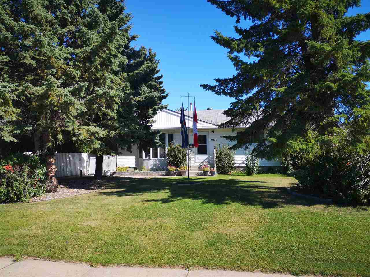 Main Photo: 13039 123 Street in Edmonton: Zone 01 House for sale : MLS®# E4213838
