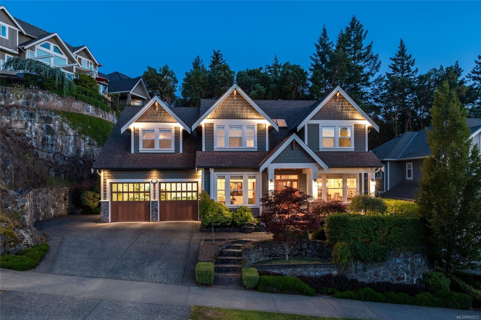 Main Photo: 2196 Nicklaus Dr in : La Bear Mountain House for sale (Langford)  : MLS®# 860573