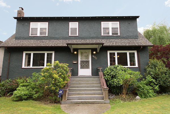 Main Photo: 4596 W 8TH Avenue in Vancouver: Point Grey House for sale (Vancouver West)  : MLS®# V1009599
