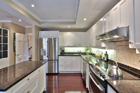 Photo 14: Photos: 8 Highland Crest in Toronto: Rosedale-Moore Park House (3-Storey) for sale (Toronto C09)  : MLS®# C2969716