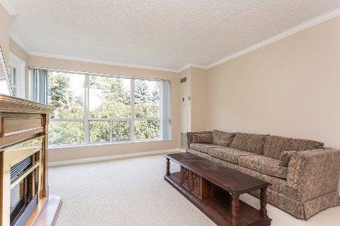 Photo 6: Photos: 12 712 E Rossland Road in Whitby: Pringle Creek Condo for sale : MLS®# E2982769