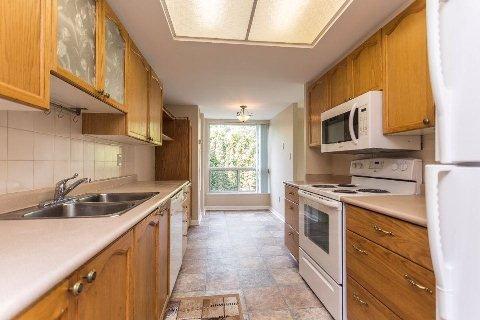 Photo 9: Photos: 12 712 E Rossland Road in Whitby: Pringle Creek Condo for sale : MLS®# E2982769