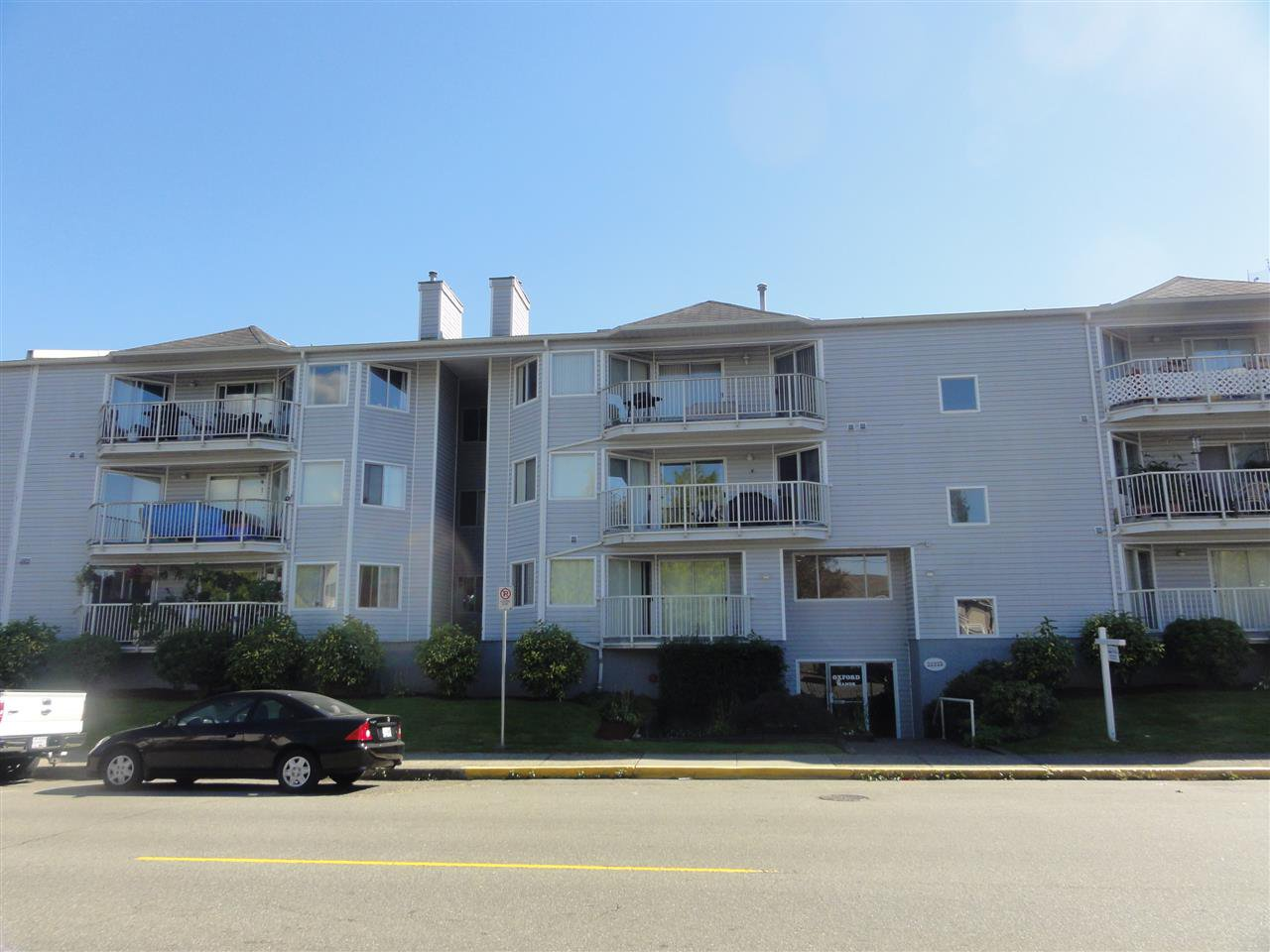 Main Photo: 304 22222 119 AVENUE in Maple Ridge: West Central Condo  : MLS®# R2103255