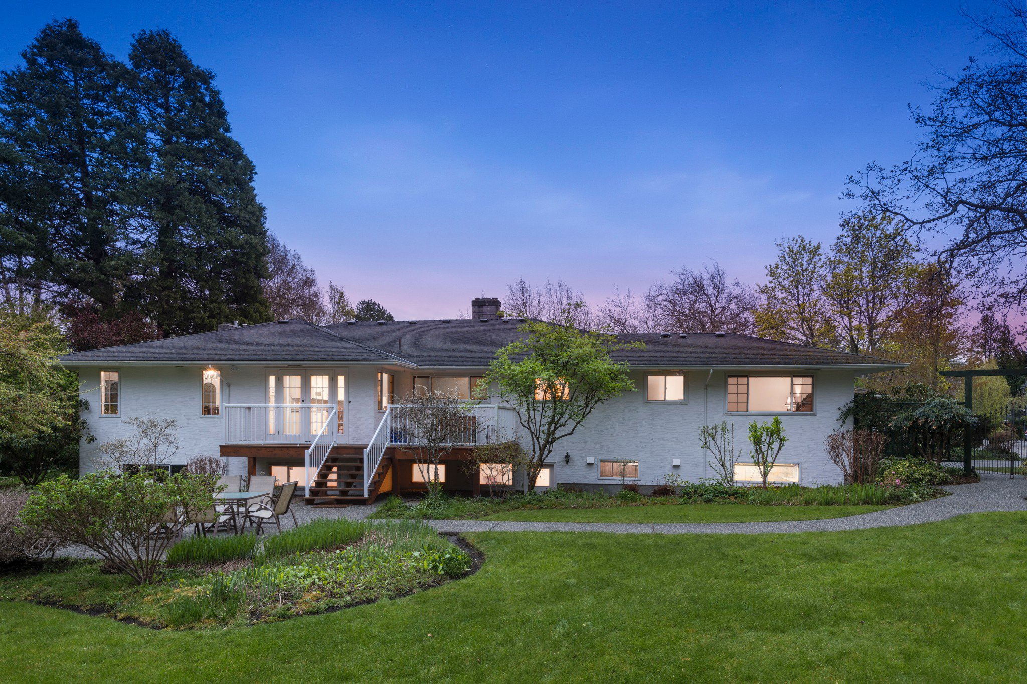 Main Photo: 3100 Beach Dr. Uplands (Oak Bay Victoria BC)