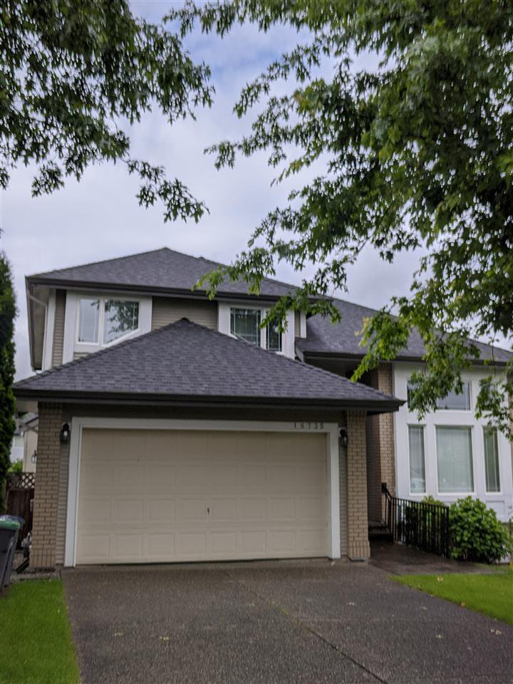 Main Photo: 16735 84A Avenue in Surrey: Fleetwood Tynehead House for sale : MLS®# R2466319