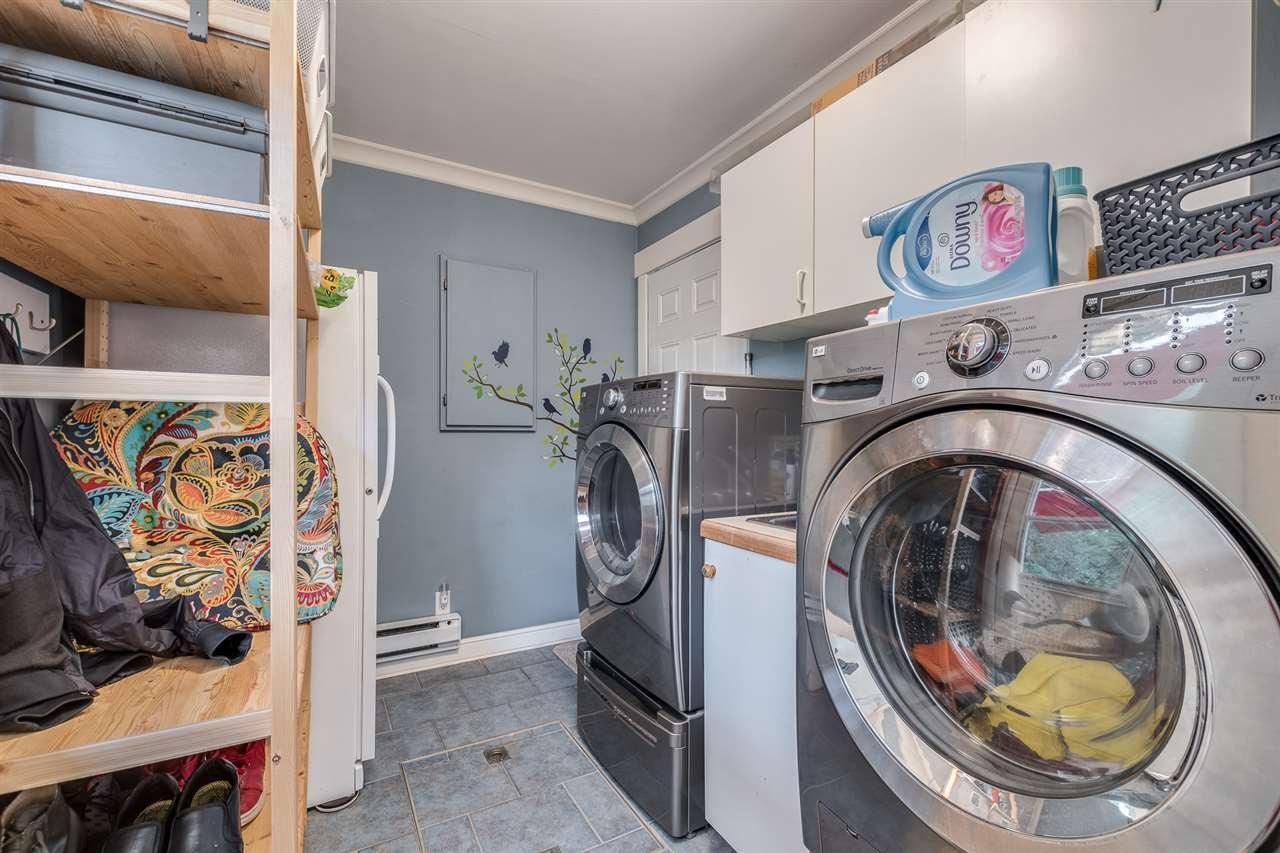 Photo 11: Photos: 3816 HAMILTON Street in Port Coquitlam: Lincoln Park PQ House for sale : MLS®# R2489970
