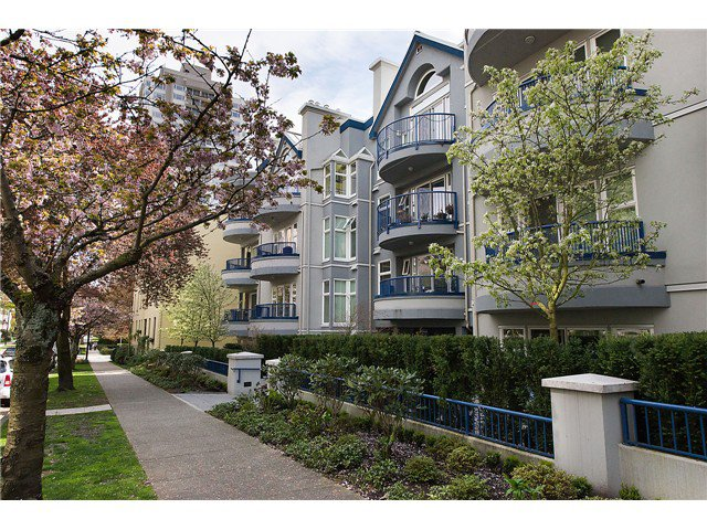Main Photo: 212-1924 Comox street in Vancouver: West End VW Condo for sale (Vancouver West)  : MLS®# V1059787